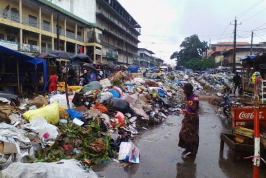 Conakry : une vaste campagne d'assainissement pour nettoyer la ville avant l'investiture du président Alpha Condé