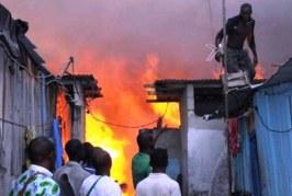 Deux personnes tuées dans un incendie criminel à Conakry