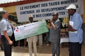 KINDIA : Rusal-CBK remet un chèque d'environ 3 milliards gnf