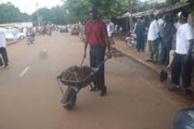 Assainissement-Dabola: La jeunesse s'implique dans l'assainissement de la ville