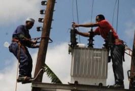 Électricité : une équipe de l'EDG visite le poste de Manéah