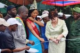 Kindia : la miss Guinée-Russie 2015 soutien les dons de Rusal à Mambia et Friguiabé