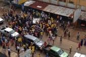 Dixinn : des militants du parti au pouvoir bloquent la circulation et harcèlent
