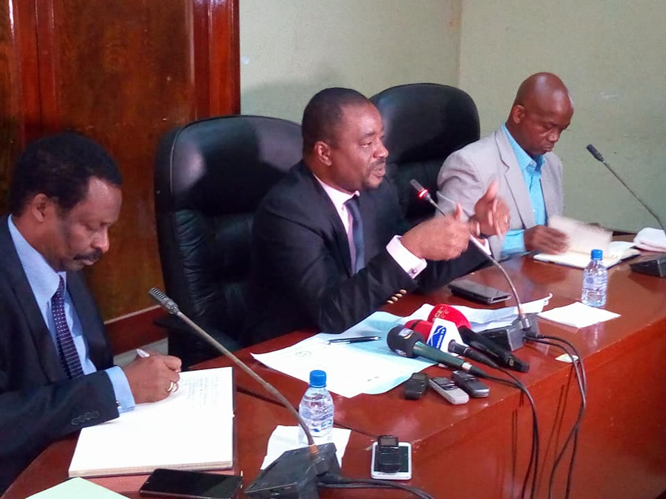 """Résultat de recherche d'images pour """"négociations gouvernement slecg à conakry"""""""